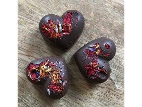Malinovo- bylinkové srdíčko z tmavé čokolády