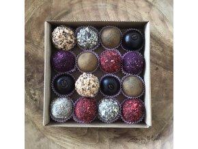 kolekce ovocných a ořechových kuliček bez alergenů