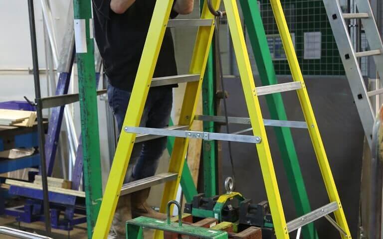Werner-Standing-Ladder-EN131-Torsion-Test