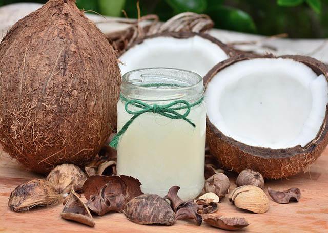Kokosový olej od hlavy až k patě