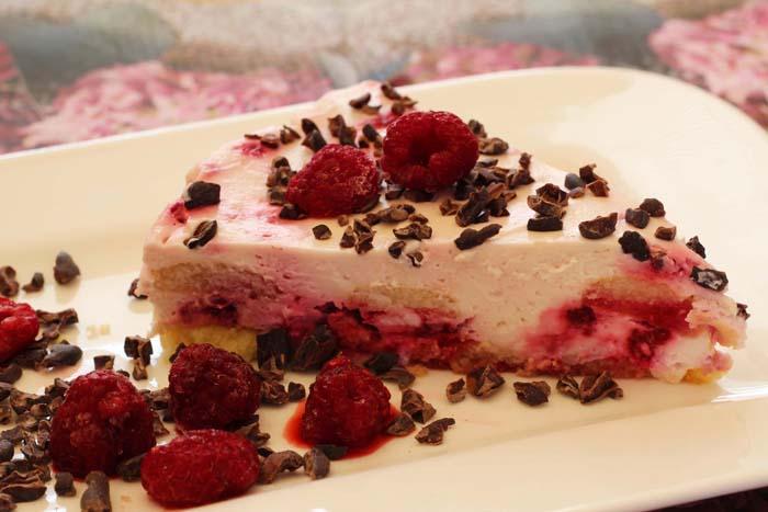 Malinovo - tvarohový nepečený dort