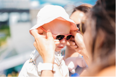 Chraňme oči našich dětí před slunečními paprsky