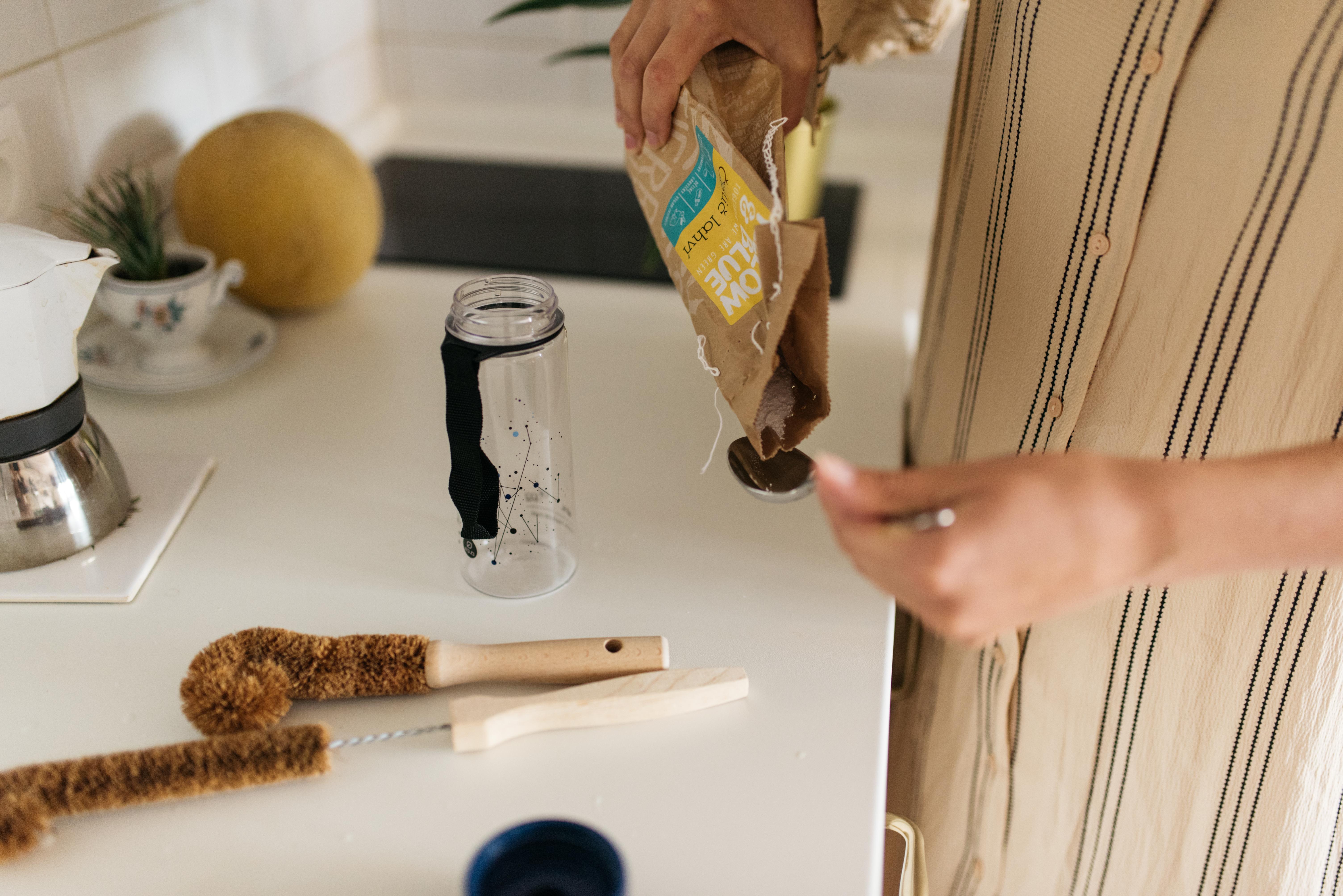 Ako dôkladne a ekologicky vyčistiť fľaše ?
