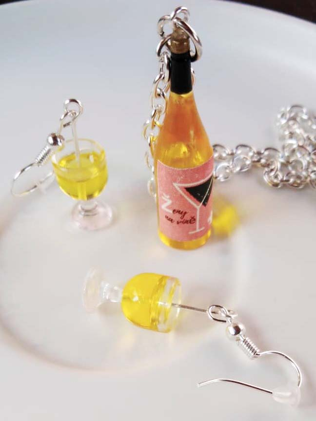 Sada šperků Bílé víno Ženy na víně - Skleničky a lahev