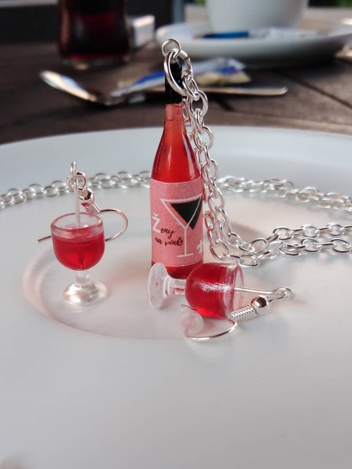 Sada šperků Červené víno Ženy na víně - Skleničky a lahev