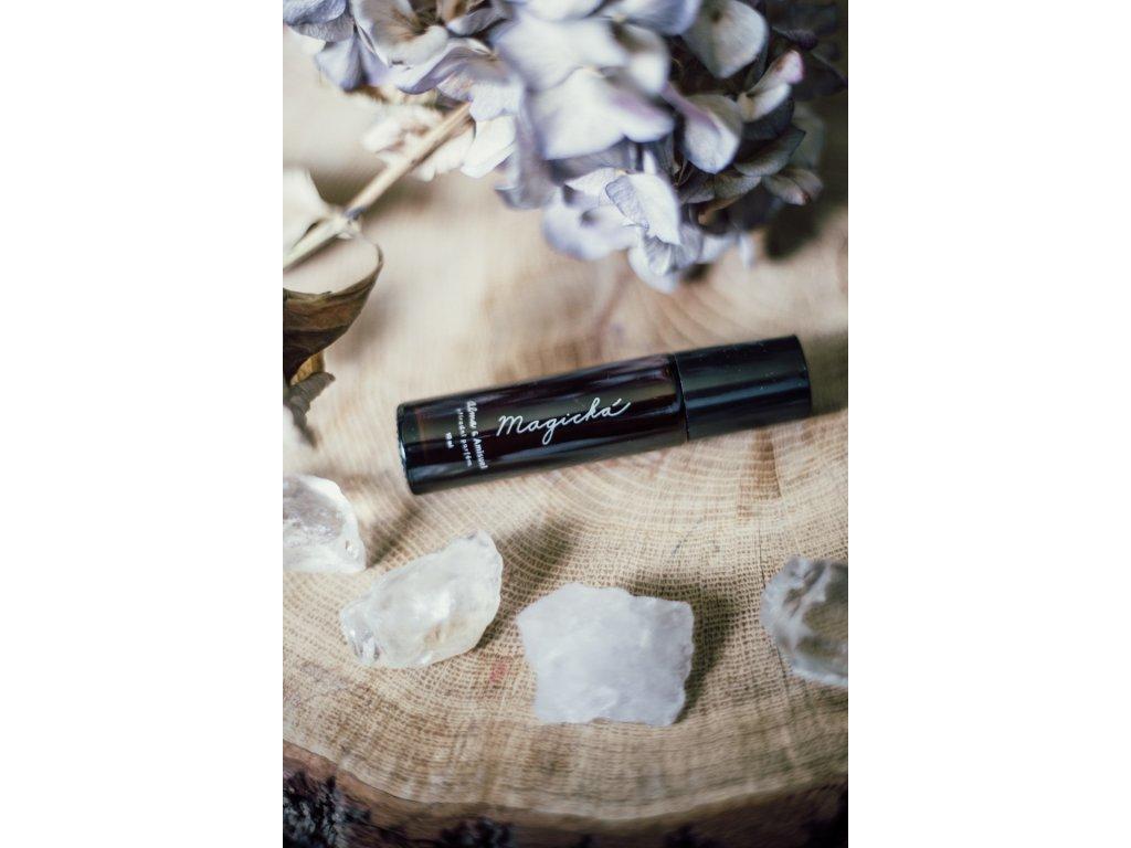Alma Přírodní olejový parfém Magická 10 ml