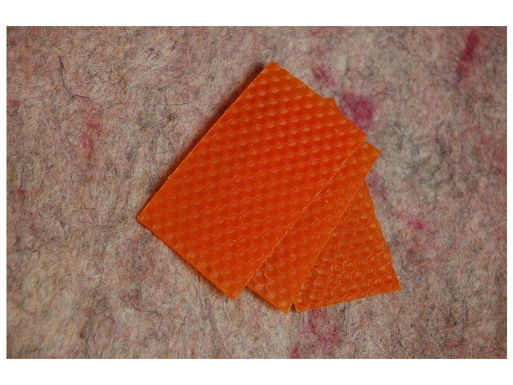 Vosk oranžový odřezky