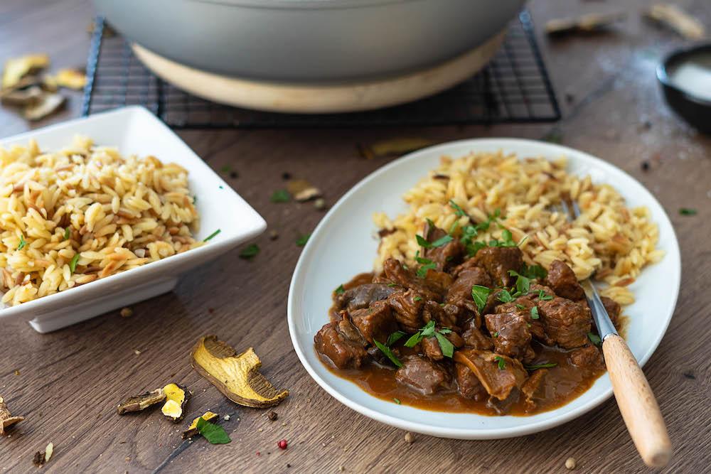 Hovädzie mäso na hubách so slovenskou ryžou