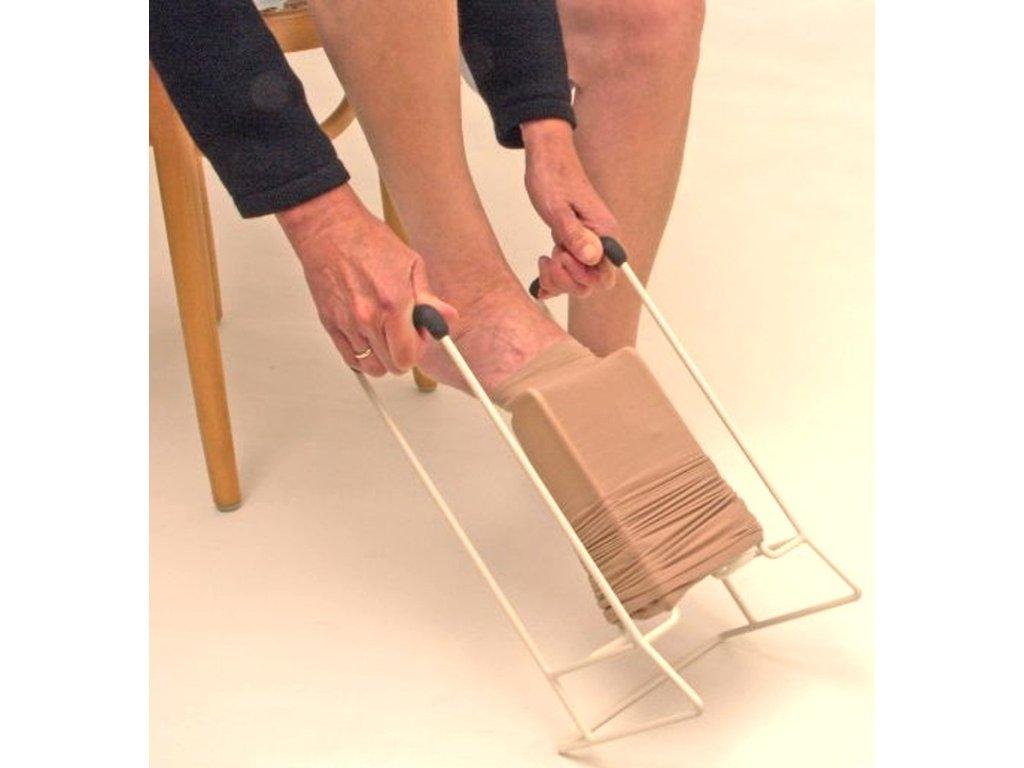 Kovový oblékač kompresních punčoch, výška 34 cm, různé šířky