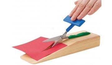 Nůžky na stojanu s ovládáním jednou rukou, ostré hroty