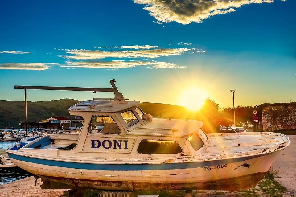 boat-4181117_960_720