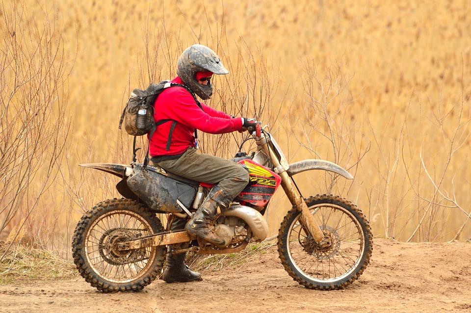 dirt-bike-330815_960_720