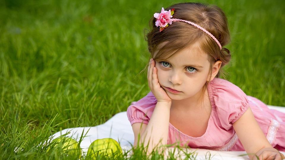 girl-1839623_960_720