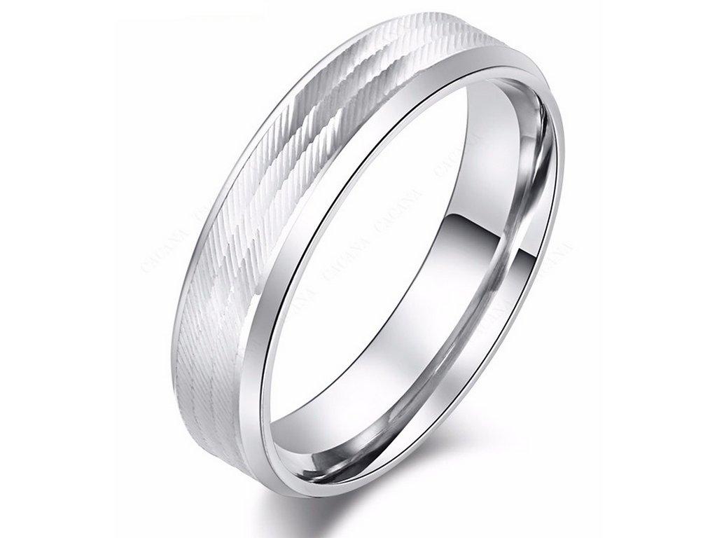 b8ff5623c Masivní prsten z vybroušené chirurgické oceli- stříbrný SR000100 (Velikost  9)