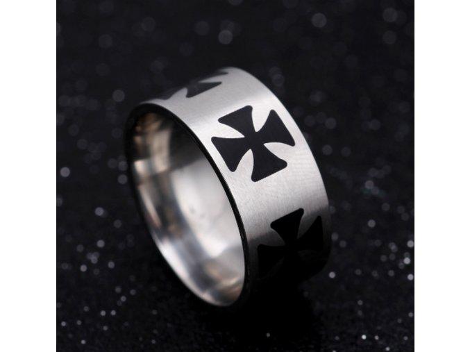 Masivní prsten z oceli s černými Maltézskými kříži SR000063 (Velikost 9)