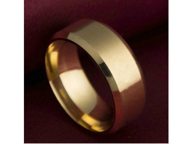 Prsten z broušené chirurgické oceli zlatý SR000073 (Velikost 9)