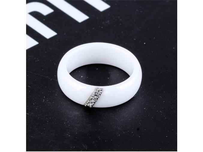 Dámský prsten z keramiky, chirurgické oceli se zirkony v bílé barvě SR000074