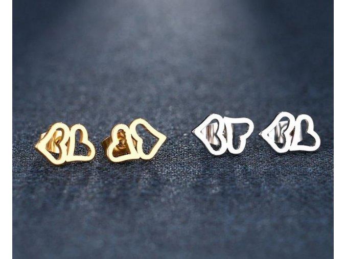 Dámské náušnice- pecičky ve tvaru dvojitého srdce z chirurgické oceli- 2 barvy SE94