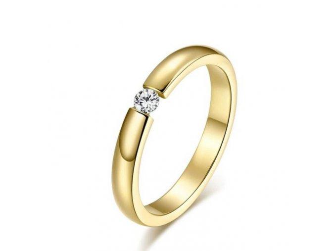 Dámský prsten z chirurgické oceli s decentním zirkonem ve zlatém provedení SR162