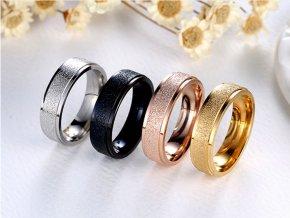 Prsten z pískované chirurgické oceli- zlatý SR00010 (Velikost 9)