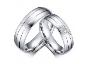 Dámský stříbrný prsten z chirurgické oceli s decentními zirkony SR000031 (Velikost 9)