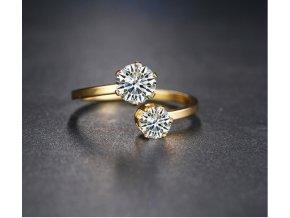 Zlatý, netradiční prsten z chirurgické oceli a 2. zirkony SR000043