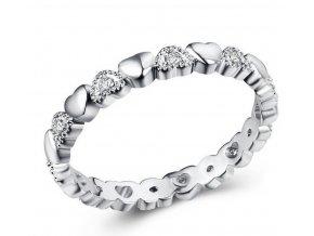 Prsten osazen srdíčky a zirkony z rhodiované bižuterie SR000052 (Velikost 9)
