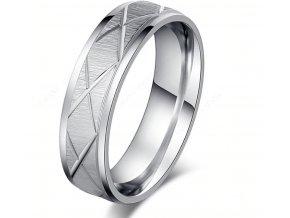 Masivní prsten z rýhováním z chirurgické oceli- stříbrný SR00080 (Velikost 9)