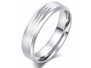 Masivní prsten z vybroušené chirurgické oceli- stříbrný SR000100 (Velikost 9)