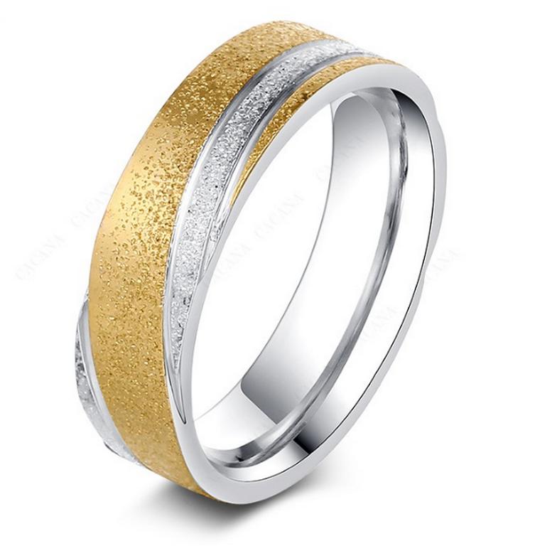 1145214fd Ziskoun Zlato-stříbrný prsten z pískované chirurgické oceli- Twisted  SR000039 Velikost: 10