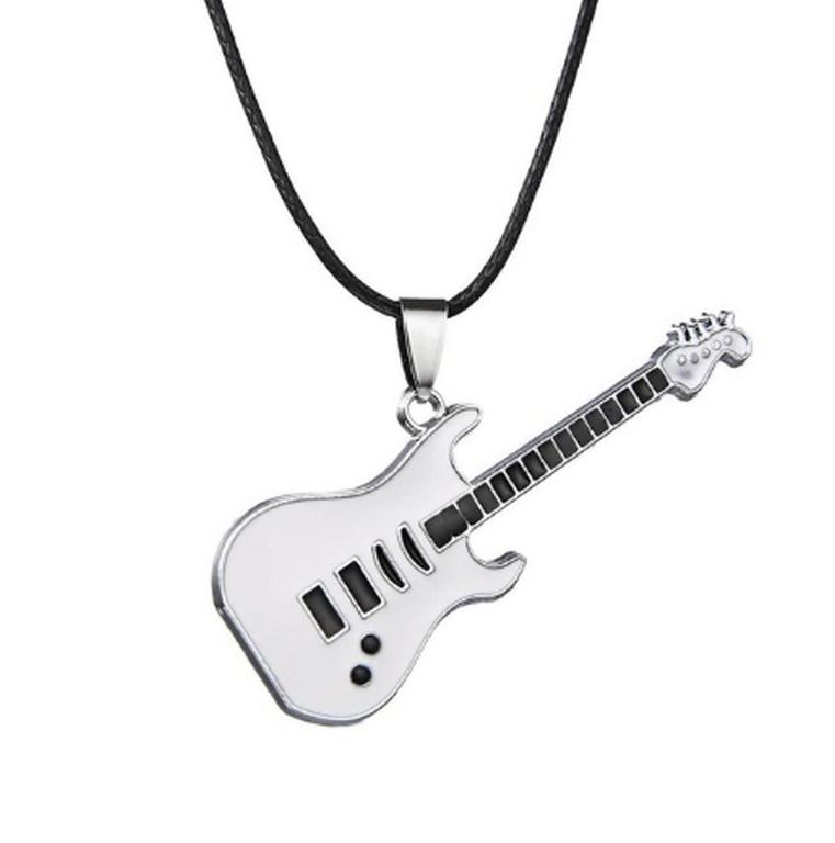 Ziskoun 3D náhrdelník s přívěskem kytary z chirurgické oceli na provázkovém řetízku PN0000157 Barva: Stříbrná