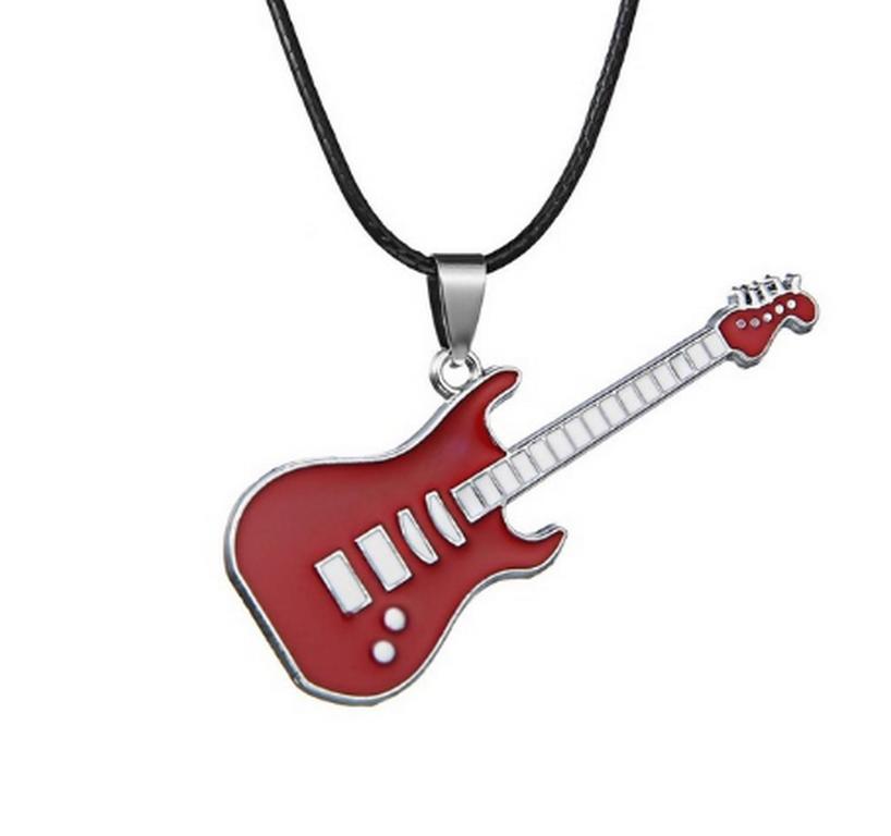 Ziskoun 3D náhrdelník s přívěskem kytary z chirurgické oceli na provázkovém řetízku PN0000157 Barva: Červená