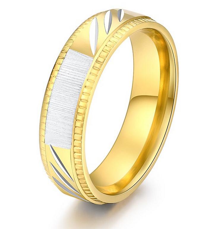 c07fca456 Ziskoun Prsten z rytím z chirurgické oceli Strips ve zlatém provedení  SR000108 Velikost: 10