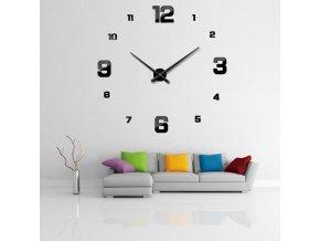 Černé nástěnné hodiny dvě velikosti čísel