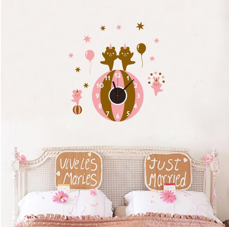 Živá Zeď Samolepící dětské hodiny Medvídci 50 x 55 cm