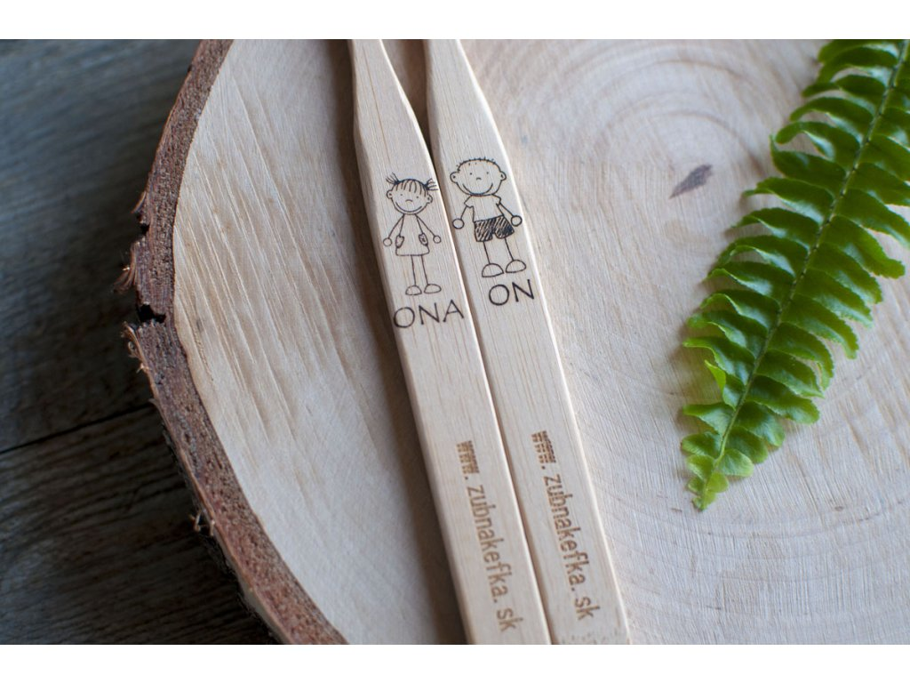 Sada bambusových zubných kefiek ONA + ON Zubnakefka 2