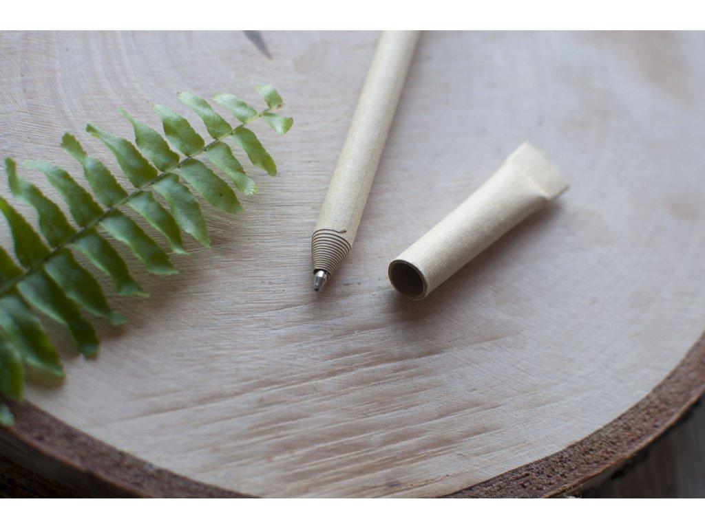 Pero z recyklovaného papiera ONETKA 7