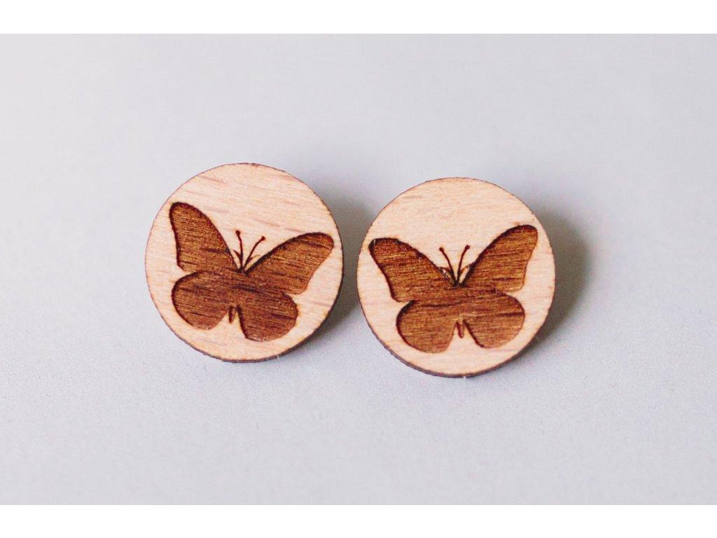 Drevené okrúhle napichovacie náušnice Motýle Kreatvory