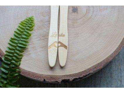 Valentínska edícia bambusových zubných kefiek Mobake 8