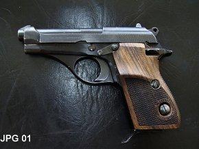 pažbičky Beretta M70/71 classic