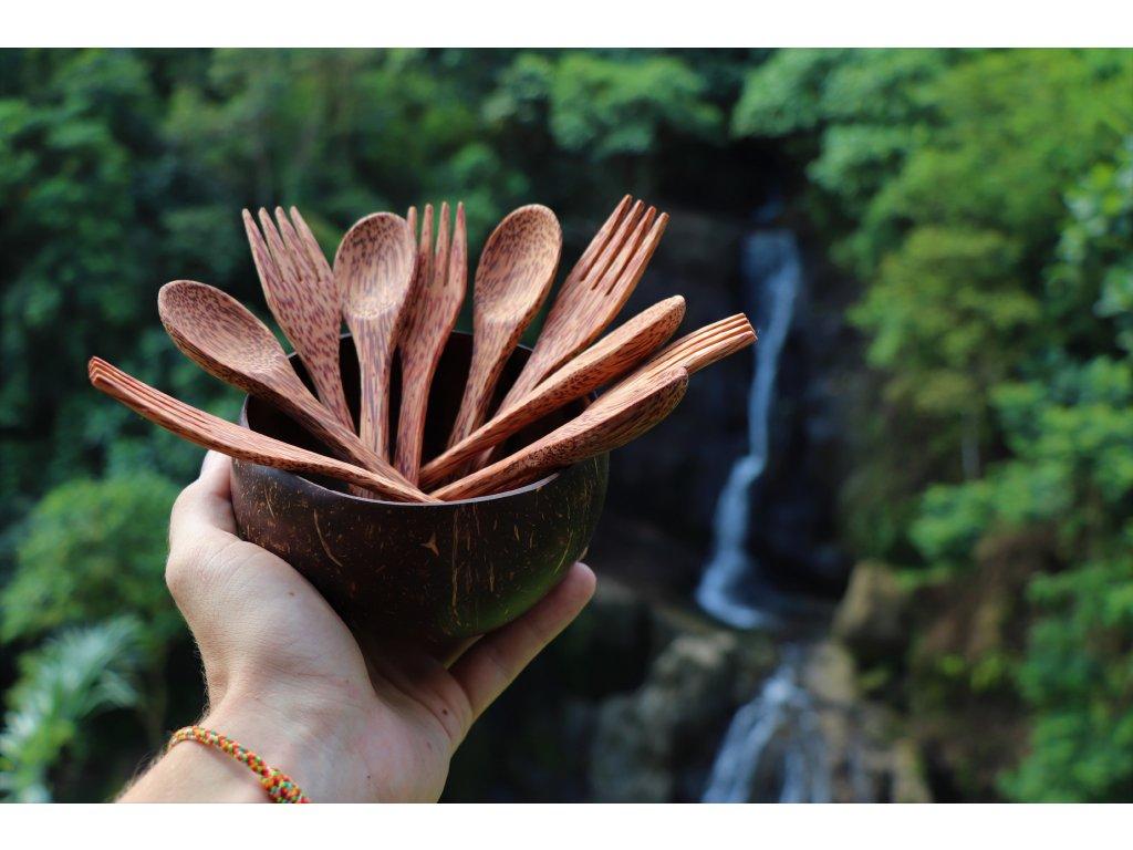 příbory-z-kokosového-dřeva