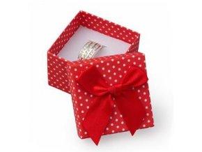 mala darkova krabicka na prsten cervena bile puntiky 026346 pd