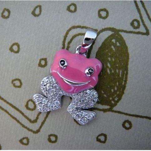 Stříbrný dětský přívěsek - růžová žabka