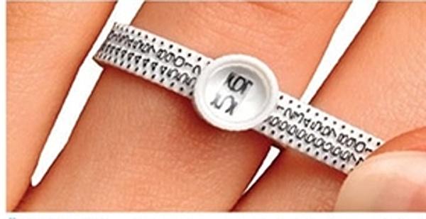 Plastový měřič obvodu prstu - velikosti prstenu