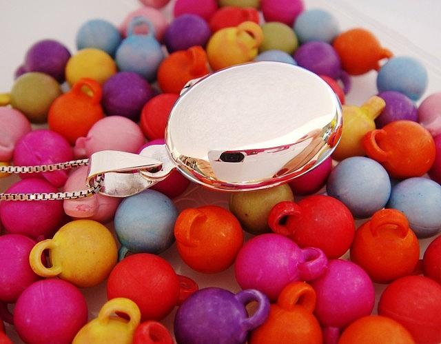 Malý stříbrný otevírací medailonek Medailonek bez rytiny: Bez rytiny