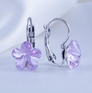 Dívčí náušnice z chirurgické oceli - kytičky s fialovým krystalem Swarovski