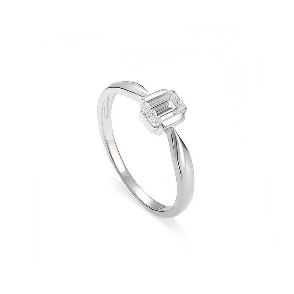 Zásnubný prsteň s bielym zafírom 0,50 ct