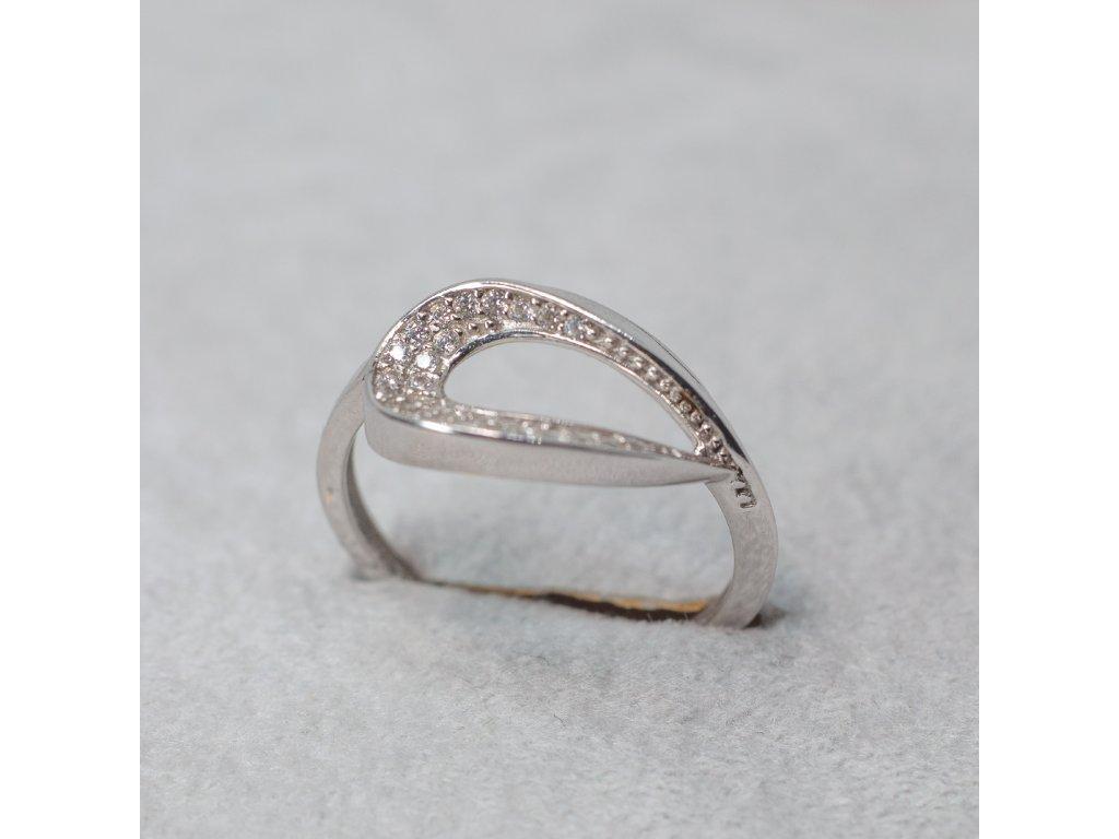 Prsten se zirkony, vel. 52