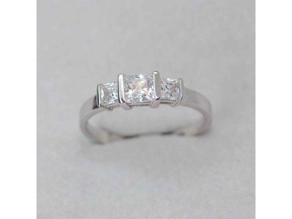 Prsten s hranatými zirkony, vel. 53