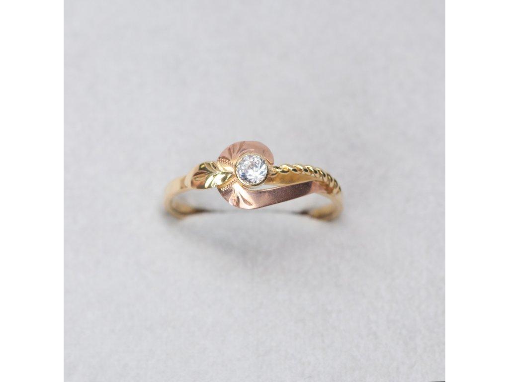 Dvoubarevný prsten se zirkonem, vel. 56